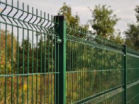 Segmentinės ir tinklinės tvoros montavimas.