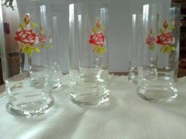 Naujų stiklinaičių komplektas