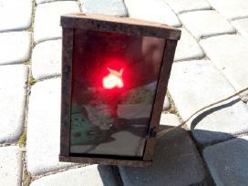 Raudonos šviesos fotolaboratorinė lempa