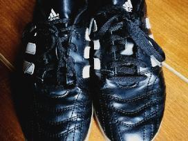 Futbolo bateliai Adidas
