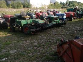 Traktoriukai zoliapjoves