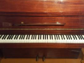 """Parduodu gerą pianiną """"Riga""""."""