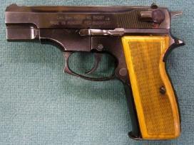 Detuve Luger M 380 pistoletuj