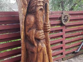 Medžio skulptūros. Kiemo drožiniai
