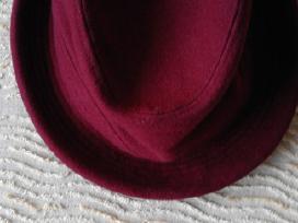 Parduodu skrybėlaites mergaitei