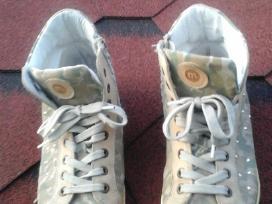 Medziaginiai batai kerzai