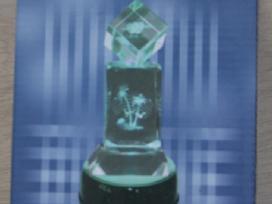 Kristalų ir org stiklo statulelių apšvietimas