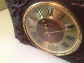 Rusiskas senas laikrodis vesna