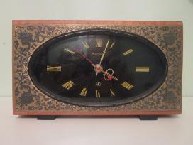 Rusiskas senas laikrodis jantar