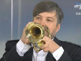 Muzikantas grojantis trimitu jūsų šventei!