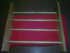 Medinė tarybinė lentynėlė
