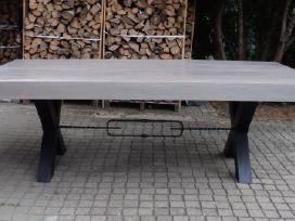 Uosinis medžio masyvo stalas 240x120