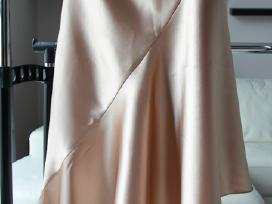 Šampano spalvos proginė atlaso suknelė S/m dydžio