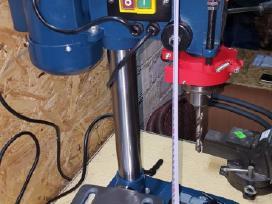 Grežimo staklės, sriegpjovės, grežimo įranga