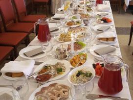 Nebrangūs gedulingi pietūs ir šventės restorane