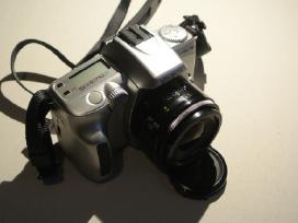 Minolta Dynax 40 su 28mm f2.8 objektyvu