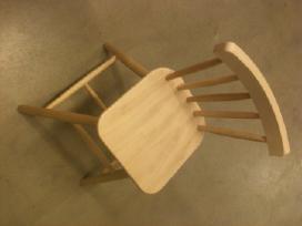 Vaikiška medinė kėdė