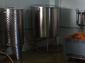 Nerūdyjančio plieno talpa sultims 500 litrų