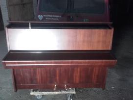Parduodu pianina Petrof