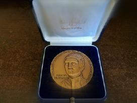 Retas gražus dėžutėje bronzinis medalis