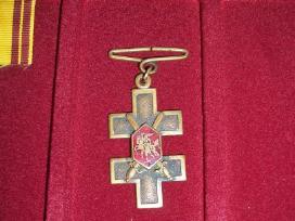 Perku kryzius, zenklus, medalius.