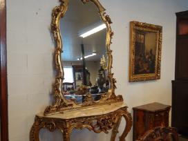 Antikvarinė konsolė su veidrodžiu