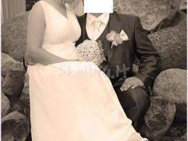 Vestuvinė (40 eurų) ir krikšto (15 eurų) suknelės