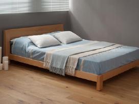 Medinės lovos įvairių matmenų