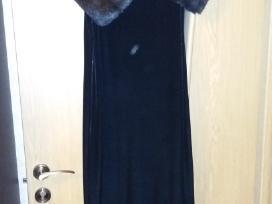 Ilga veliūrinė suknelė su kailiuku