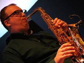 Saksofonistas-vedėjas-dj in 1