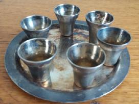 Melchioriniai stikliukai
