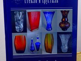 Knygų tarybų kolekcijos stiklas ir krištolas