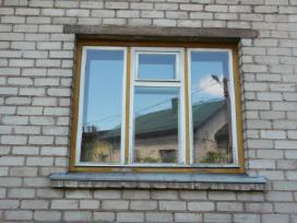 Naudoti mediniai langai ir durys