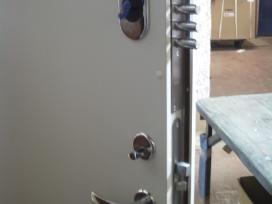 Akcija. Buto durys su dviem spynomis 299eu