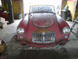 Senovinių automobilių remonto meistras
