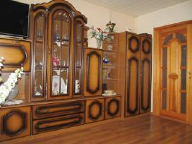 Agluonėnuose parduodamas įrengtas 2 kambarių butas
