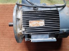 Motoras nuo isilginio pjuklo (kreiza)