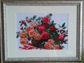 Siuvinėtas paveikslas - puošmena namuose