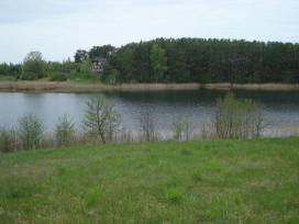 Sklypas su ežero pakrante