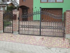 Kalviski vartai ir tvoros