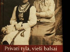 Bleizgienė. R. Privati tyla, vieši balsai, 2012