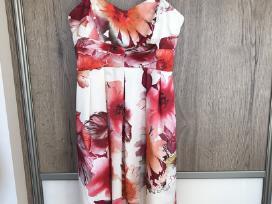 Įspūdinga Rinascimento suknelė