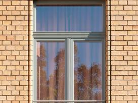 Mediniai langai, durys ir kiti stalių gaminiai