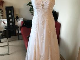 Parduodamos sukneles salonui atidaryti