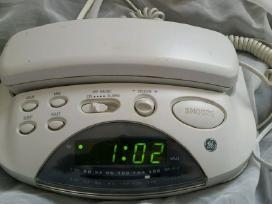 Miegamojo telefonas su radija ir žadintuvu