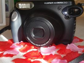 Momentinis fotoaparatas nuo 6€.