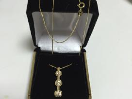 Auksinis pakabukas su deimantais