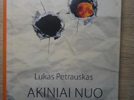 """Lukas Petrauskas """"Akiniai nuo mėnulio"""""""