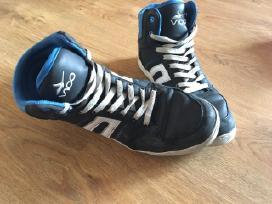 Parduodu Convers tipo batus paaugliui Vaco 40d.