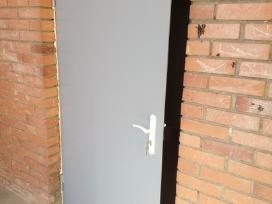 Plieninės durys